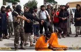Militanlar gazeteci infaz ediyor...
