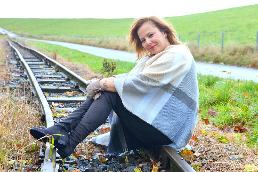 Kleid-mit-Poncho_Alte-Liebe-neu-entdeckt_neue-Liebe