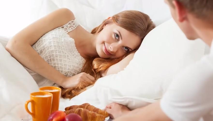 Прикованная к постели жена услышала разговор мужа с любовницей. Это изменило ее судьбу.