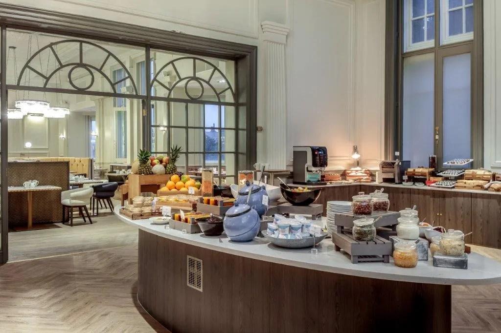 Fei Liu x Majestic Hotel Harrogate - Breakfast