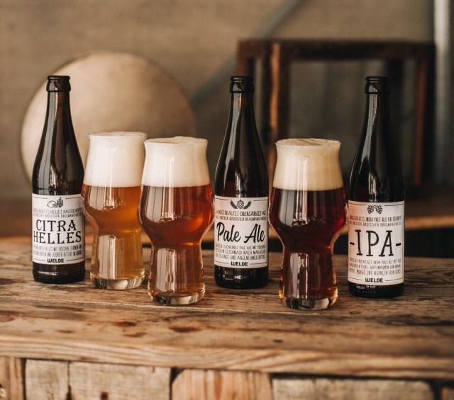 Braumanufaktur-Welde-neue-Craft-Beer-Sorten-2018_CitraHelles_PaleAle_IPA-mit-Gläsern-web-Foto-c-Welde
