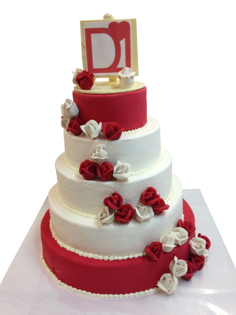 Torte rot wei  Hochzeitstorten  Caf Conditorei