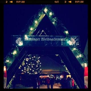 Kommt auf den Metzinger Weihnachtsmarkt, dort gibts Fladen aus DEM Holzbackofen!