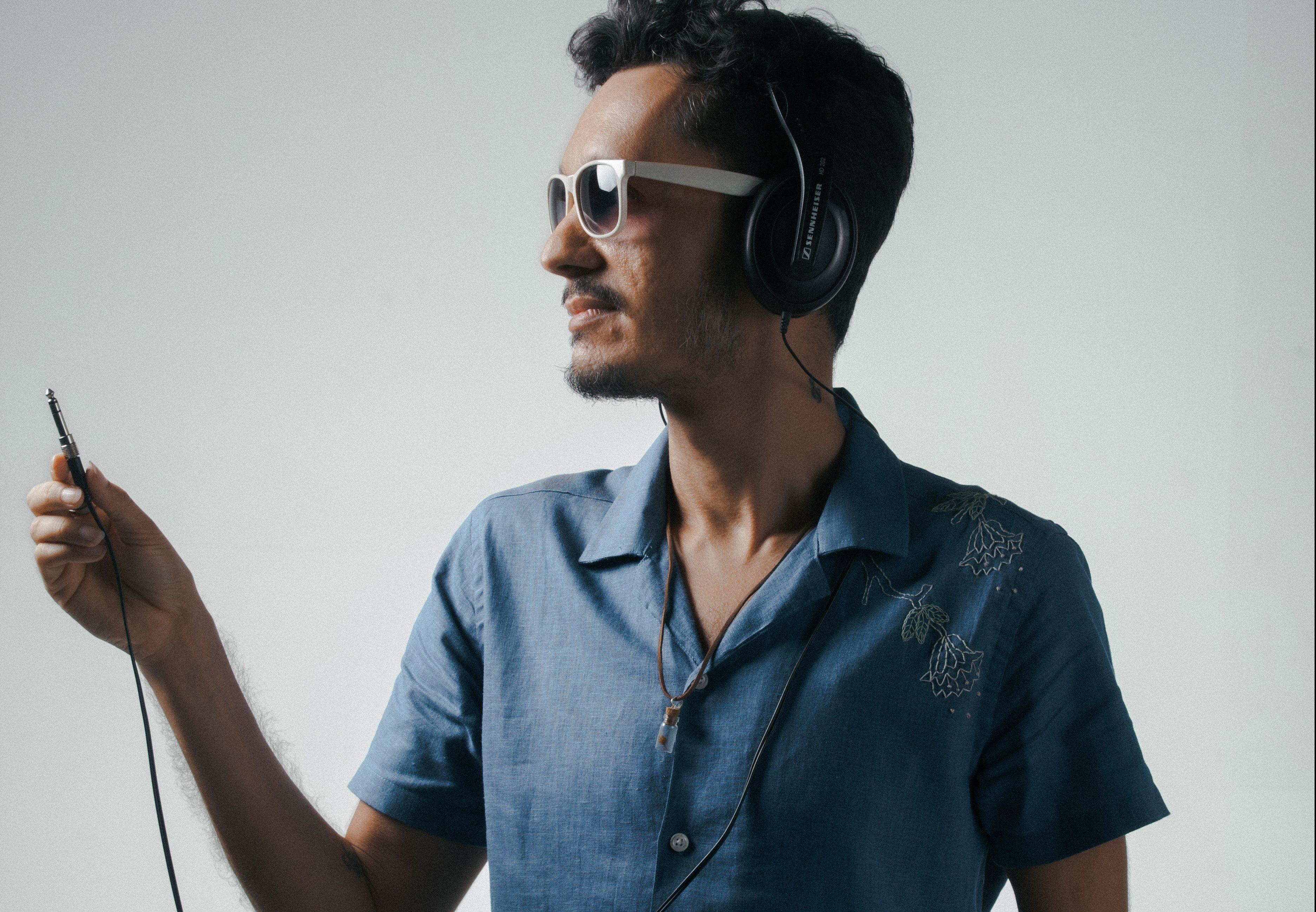 Instrumentista Linns inova e lança primeiro disco cantado