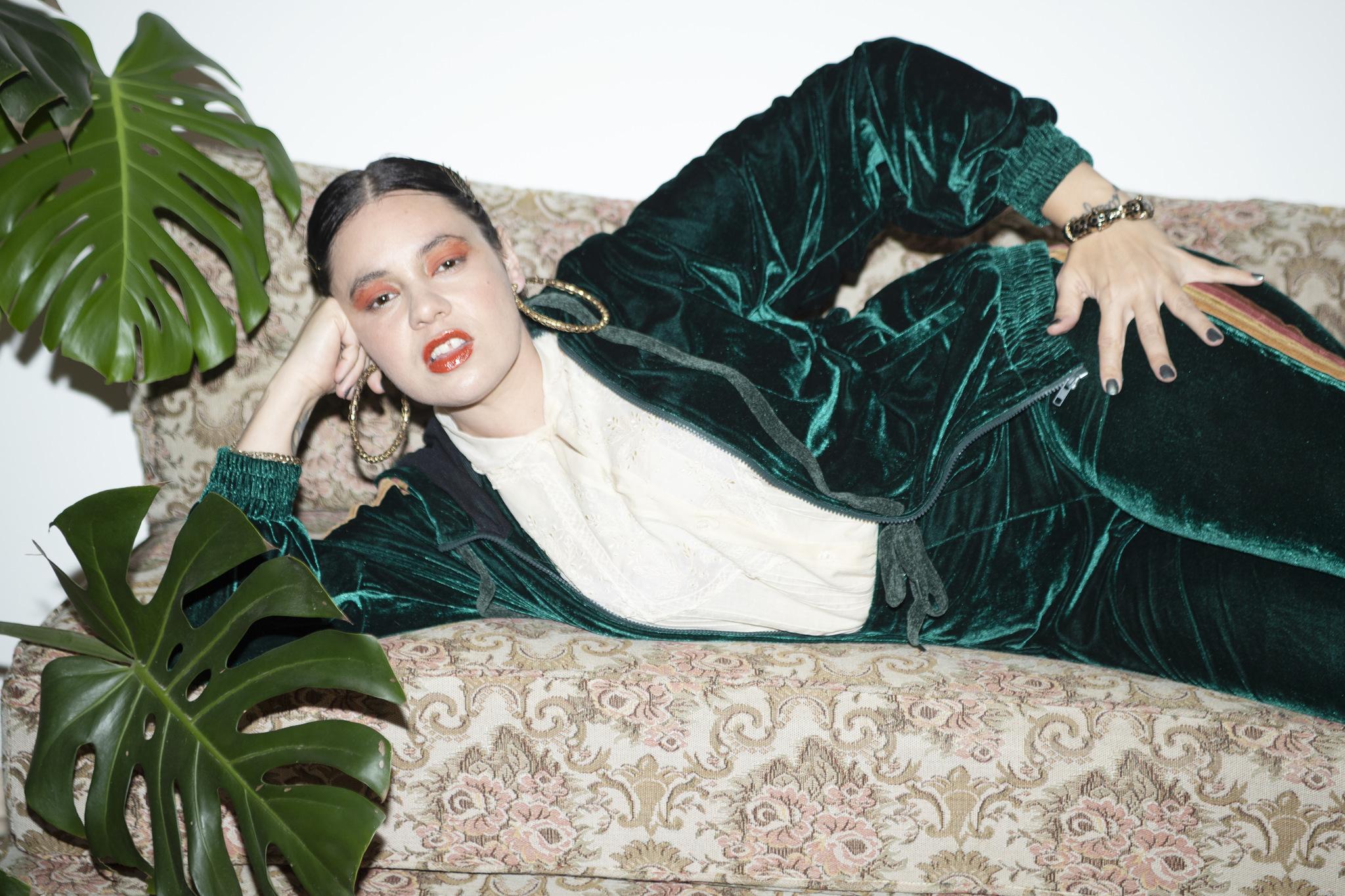 """Em """"Modo Aleatório"""", MC Lurdez da Luz revela sua trajetória como mulher e artista"""