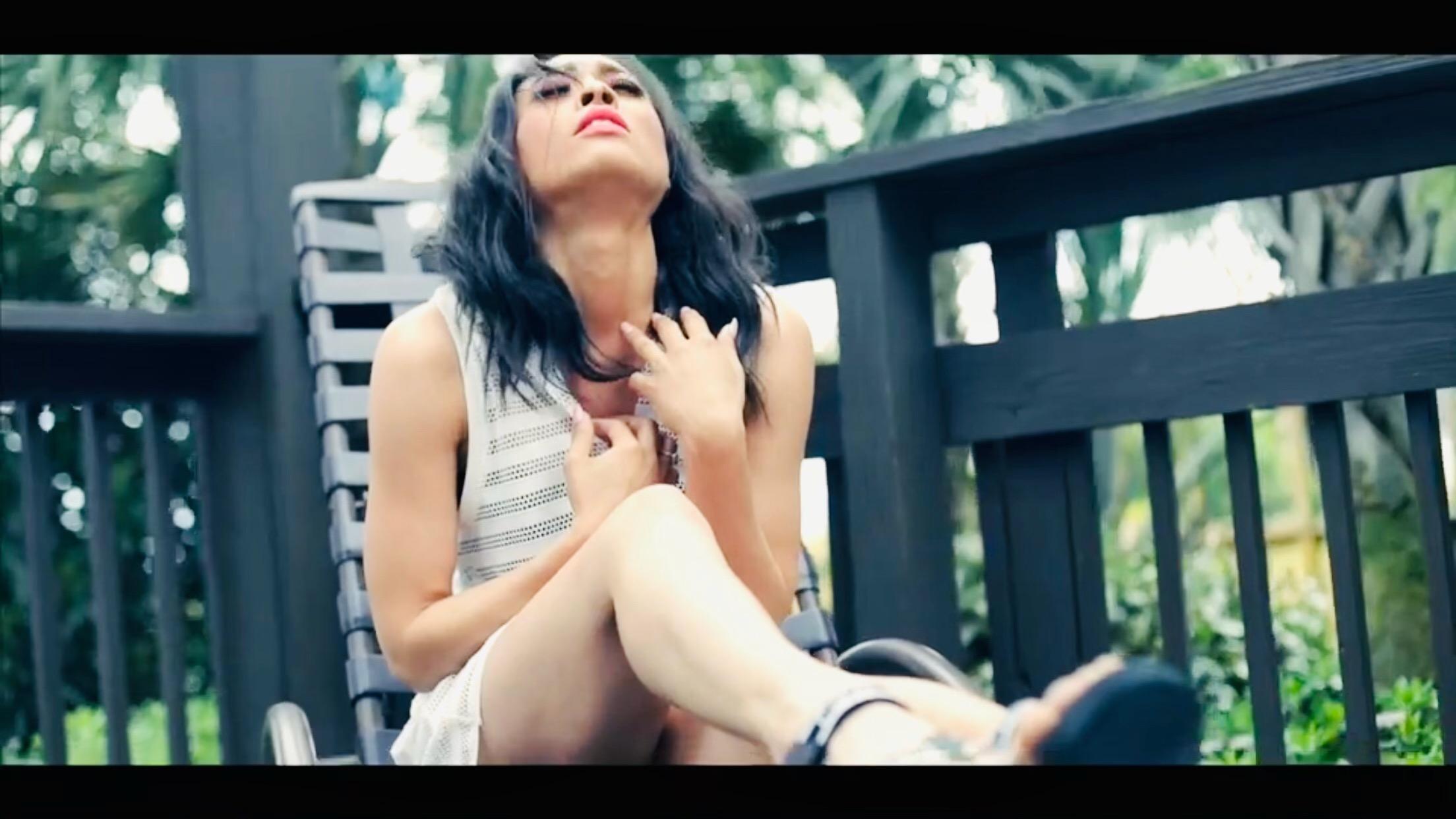 """Ouça """"I Betcha My Darling feat Unck"""" o novo single de Eliz Camacho"""