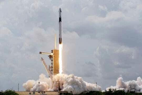 Space_X_Falcon_9_6oq8o.jpg