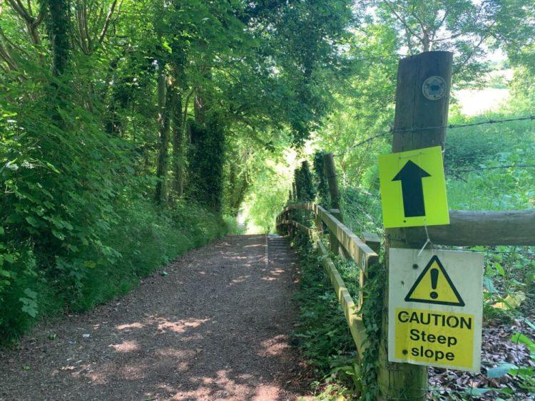 Thames Path Hill