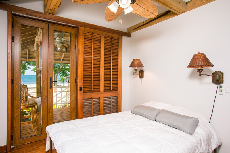 4 Reasons to Take An Overnight Sailing Trip in Belize - Luxury Accomodations