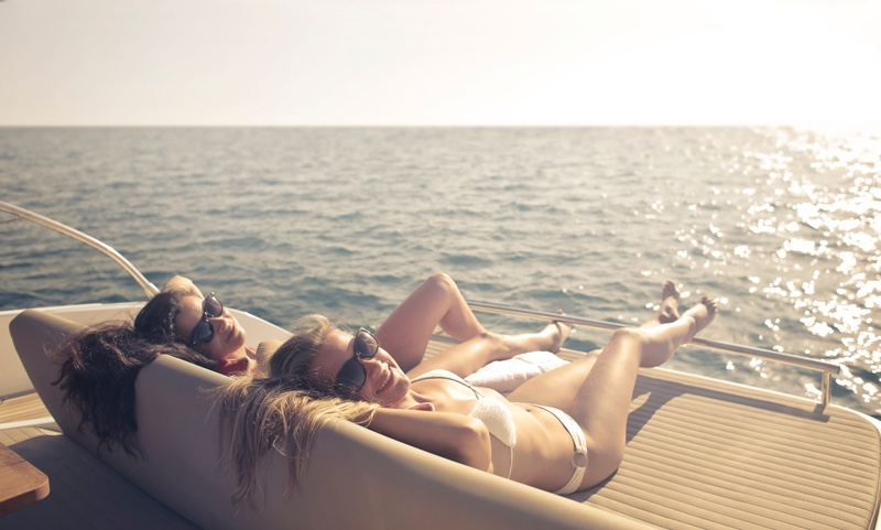 3 Reasons You Should Take a Private Chartered Yacht Vacation