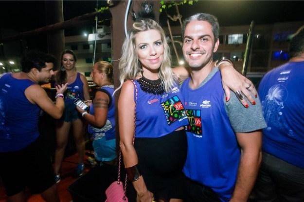 Camarote Salvador-1055 - Samara Checon e Marcelo Checon