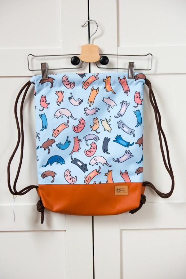 plecak worek w koty w kieszonką