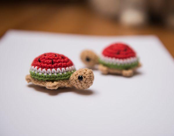 zabawka dla kota z kocimiętką żółwik