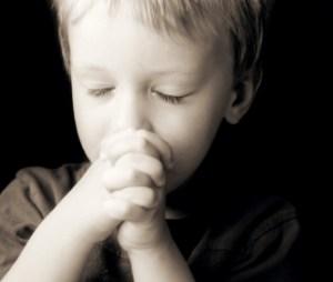 kid_pray_hands