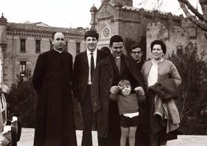 Con unos familiares y compañeros en Javier