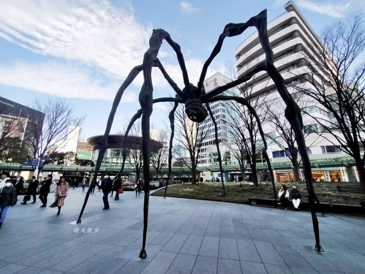 東京景點 尋訪六本木藝術街景,六本木之丘公共藝術~大蜘蛛、玫瑰、椅子、機器人塔
