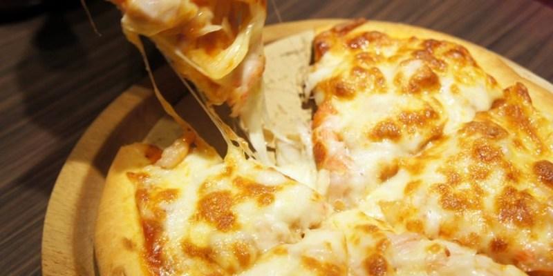 凱撒盒子日式洋食CAESARBOX~原逢甲夜市凱撒雞排小攤 崇倫公園附近新店面 炸物、米烏龍麵、披薩、飲料 外帶內用都方便