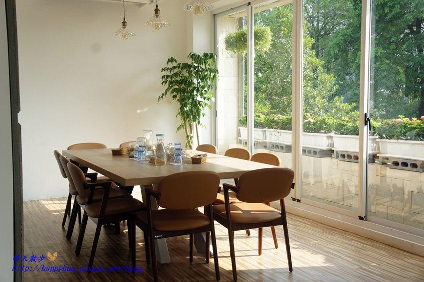 台中早午餐 Dacai Cafe采咖啡~大采廚房新品牌之親子友善餐廳 有大桌適合聚餐聚會 附設兒童遊戲區