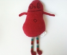 Give us a hug - Knitted monster in magenta merino