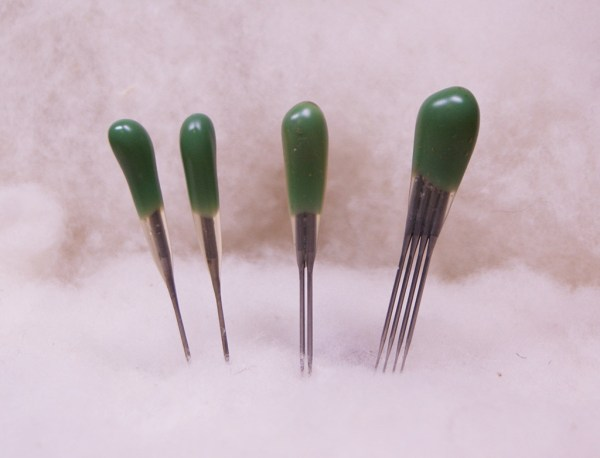 green reverse barb felting needle variety pack - combo +quad