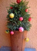 felt-ball-tree2