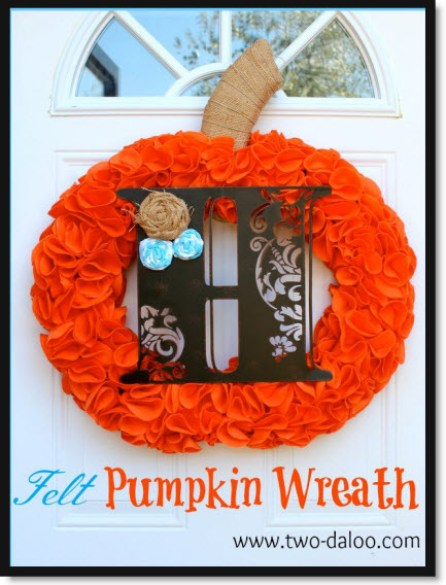 Felt Pumpkin Wreath Tutorial