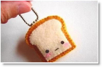 Free tutorial- Cute felt toast key chain