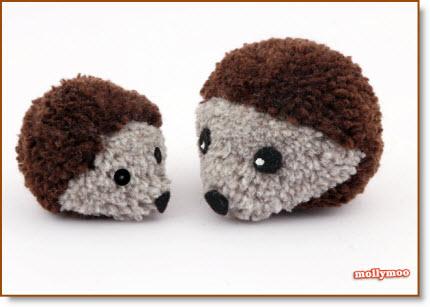 How to make a Pom Pom Hedgehog, they're super cute and easy