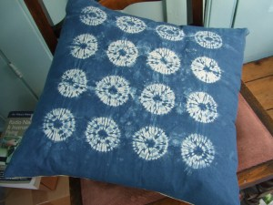shibori cushion 001