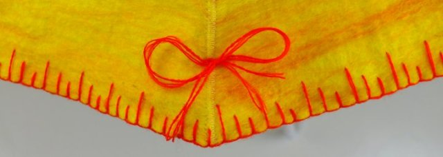 4. blanket stitch and bows