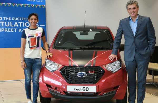 Datsun India gifts a Redi-Go to Indian Cricketer Harmanpreet Kaur (Pic Via Datsun)