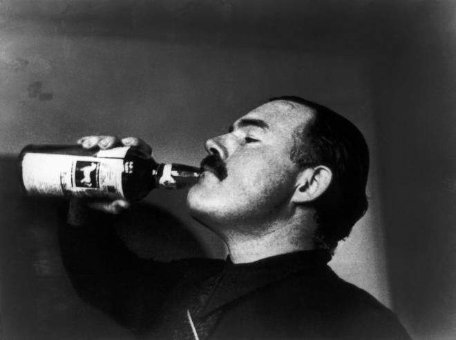 Ernest-Hemingway-by-Robert-Capa-1937