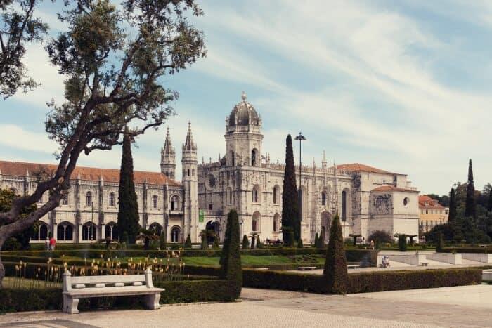 Mosteiro dos Jeronimos Manueline Architecture landmark Lisbon