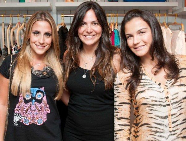 fciwomenswrestling.com article, gracie-gi3girls.com photo