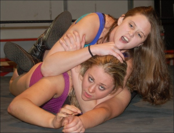fciwomenswrestling.com article, glorywrestling.com photo