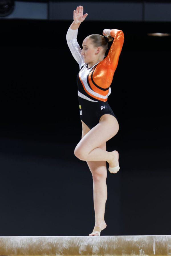 2015_European_Artistic_Gymnastics_Championships_-_Balance_beam_-_Sanne_Wevers_03 wiki sanne