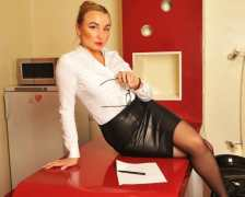 Kinky Secretary - seductress role play chat