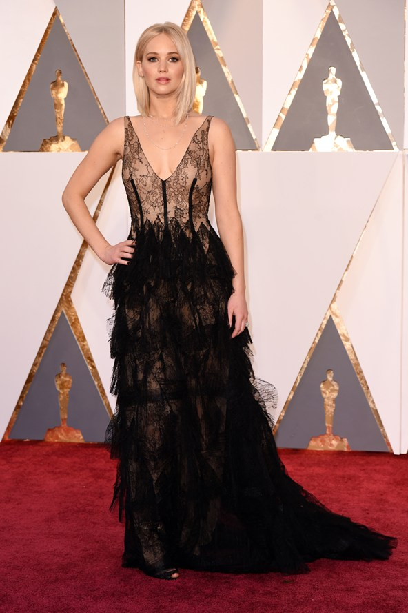 Jennifer-Lawrence-DIOR-Oscars-2016
