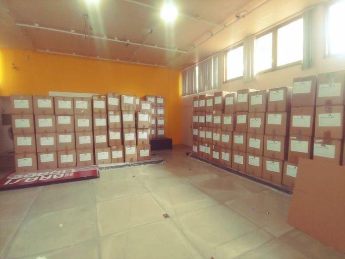 Obras do Museu Casa do Pontal embaladas