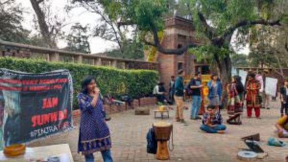 Jan Sunwai by Pinjra Tod at DU Campus
