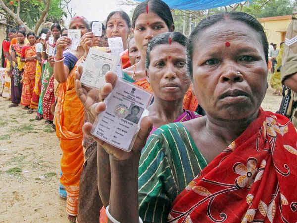 यूपी चुनाव 2017: उम्मीदवारों की फेहरिस्त में कहाँ है आधी दुनिया?