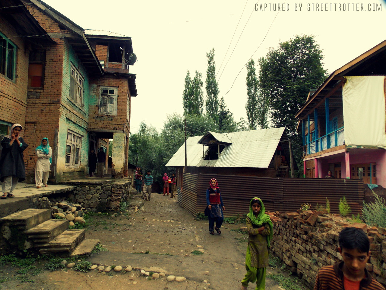 Everyday Life in Kashmir