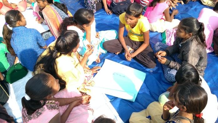 #MyFirstBlood: पीरियड से जुड़ी पाबंदियों पर चुप्पी तोड़ता अभियान | Feminism In India