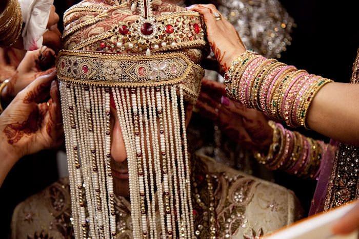 पुरुष का शादीशुदा होना उसके गुनाह कम नहीं करता | Feminism In India