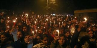 बलात्कार पीड़िताओं पर दबाव बनता है भारतीय समाज - ह्यूमन राइट्स वाच | Feminism In India