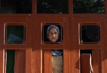 An Enduring Conflict, The Homeless And Women In Kashmir