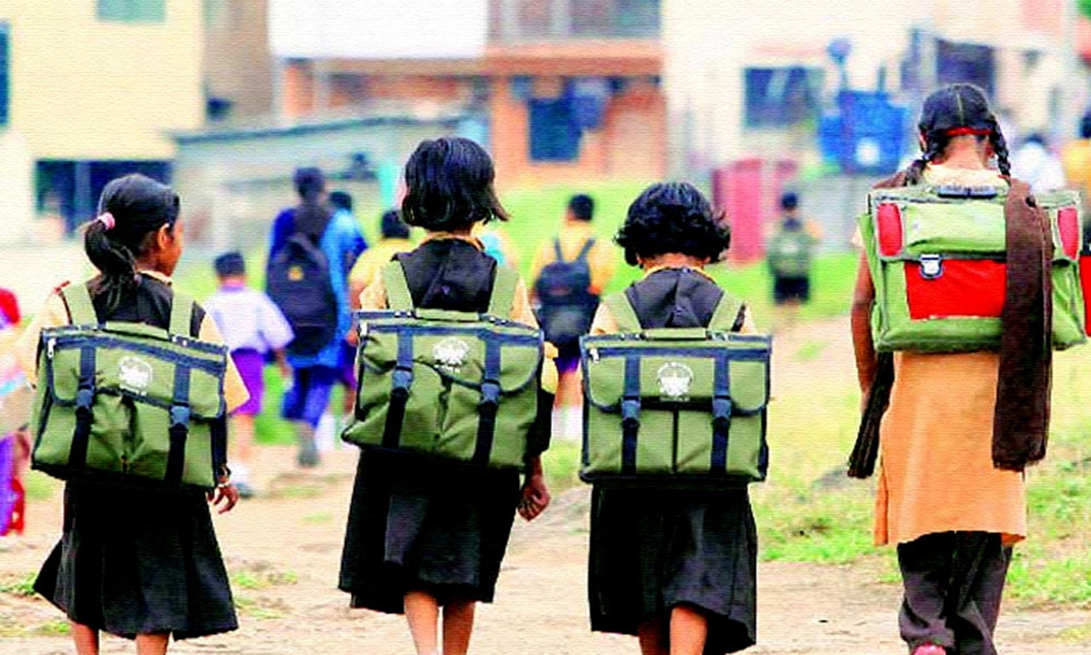 Eastern UP's Karaundi Reflects On The Education Of Its Women Population—Ground Report