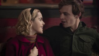 chilling-adventures-of-sabrina-season-1-spoiler-free-review-sabrina-harvey