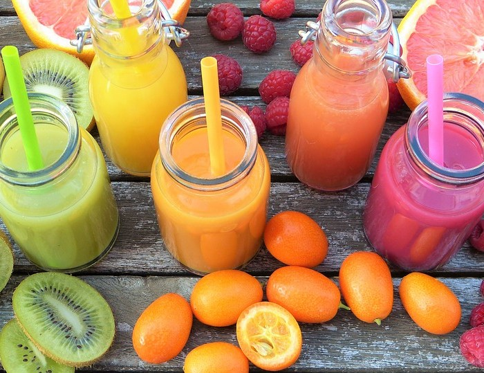 Smoothie : ananas ou fruits rouges ?