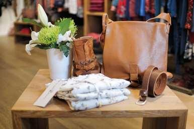 Sacs, ceintures, écharpes, bijoux... tous les accessoires indispensables de la saison.